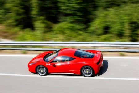 458_italia_driving