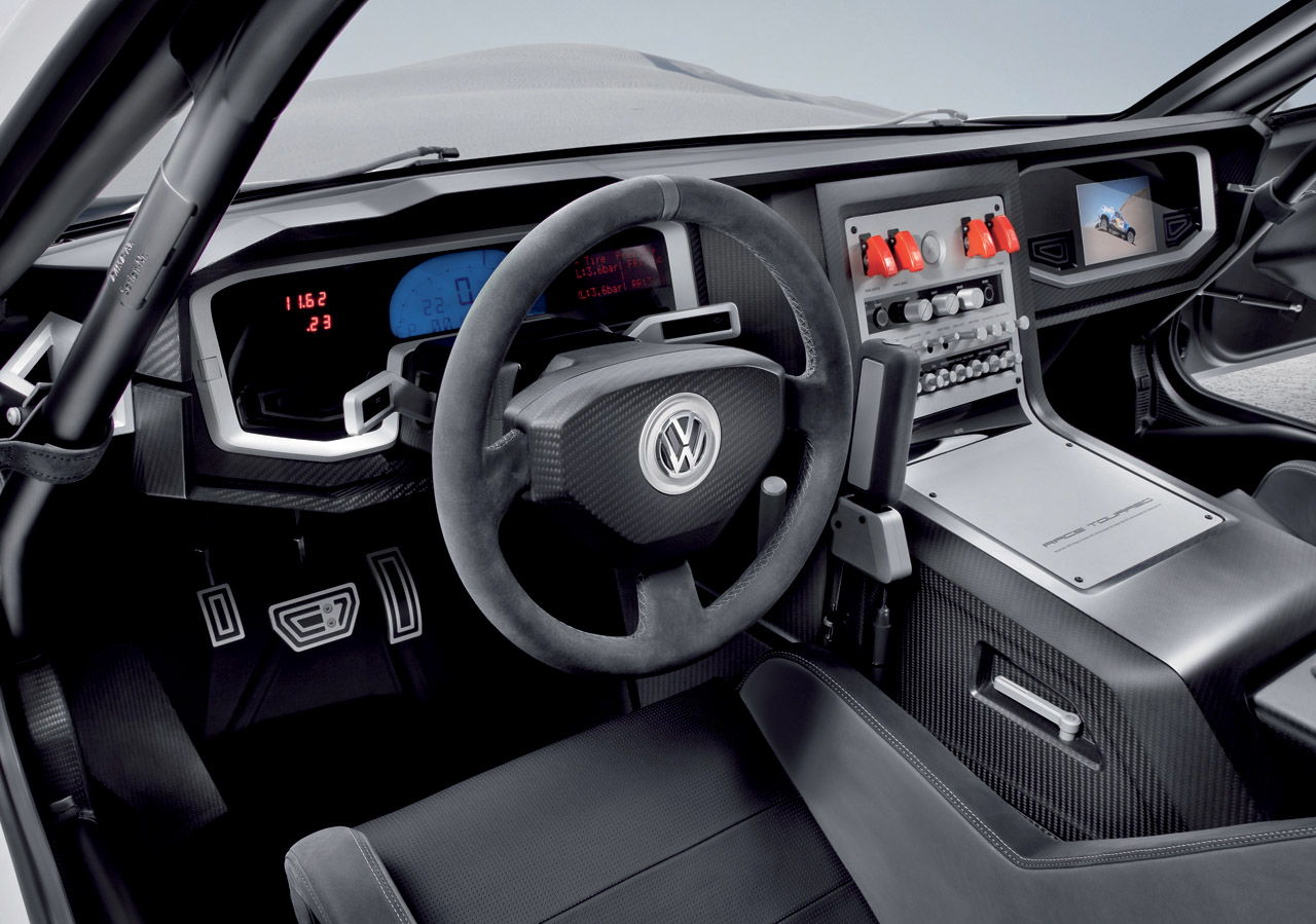 volkswagen s race touareg 3 is just what the world needs brake banzeen. Black Bedroom Furniture Sets. Home Design Ideas