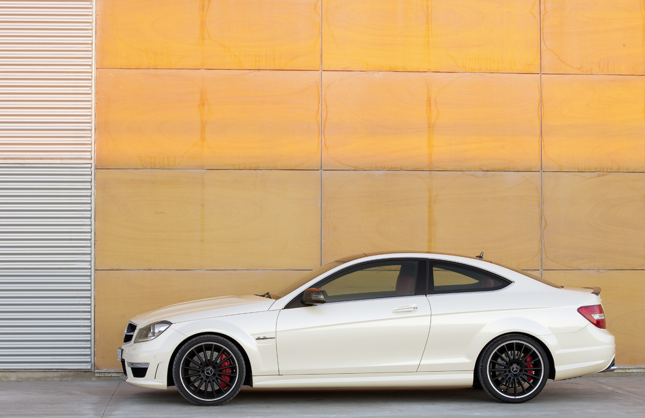how will mercedes new c63 amg coupe fair against its. Black Bedroom Furniture Sets. Home Design Ideas