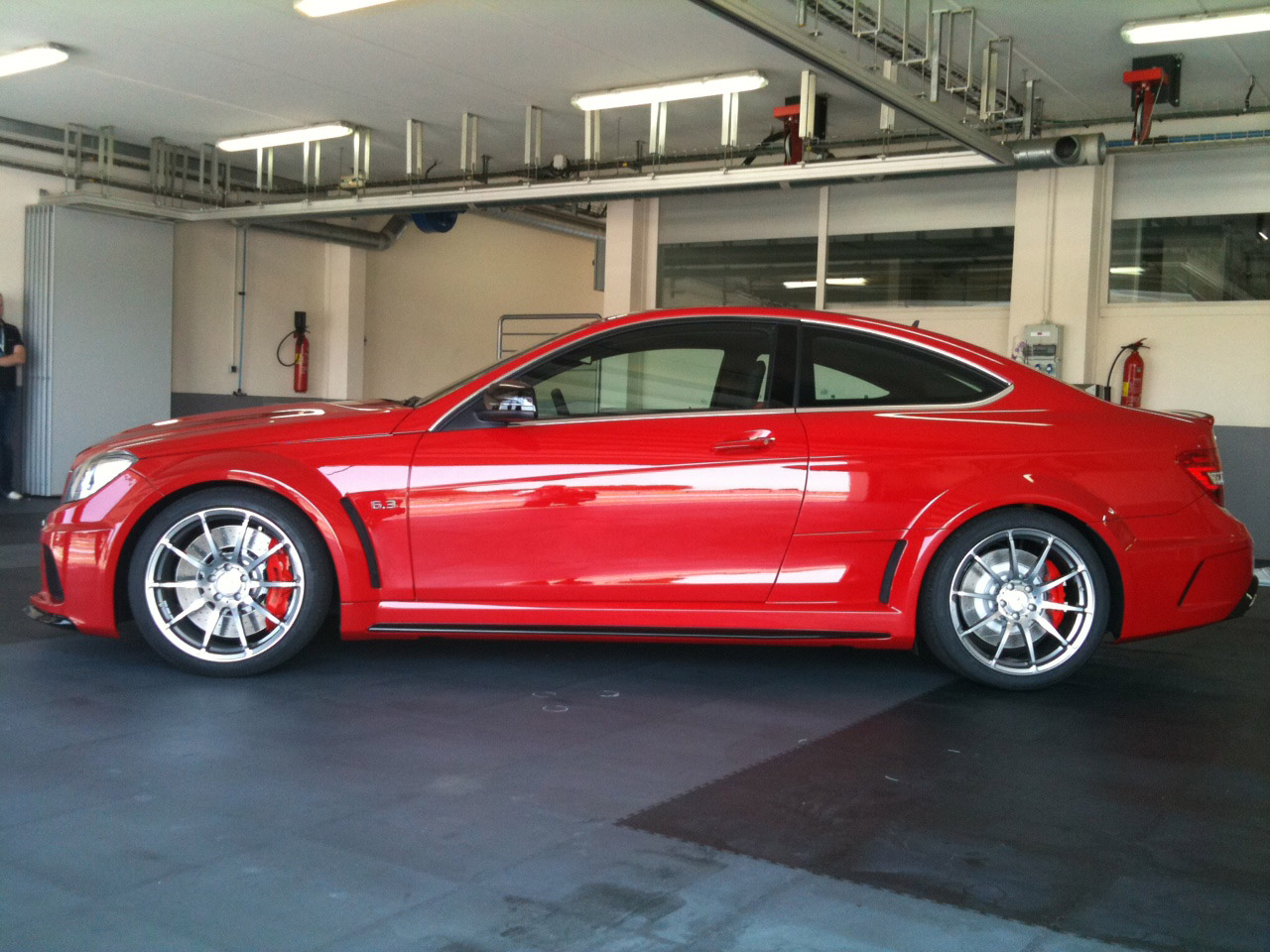 leakage 2012 mercedes benz c63 amg black series brake. Black Bedroom Furniture Sets. Home Design Ideas