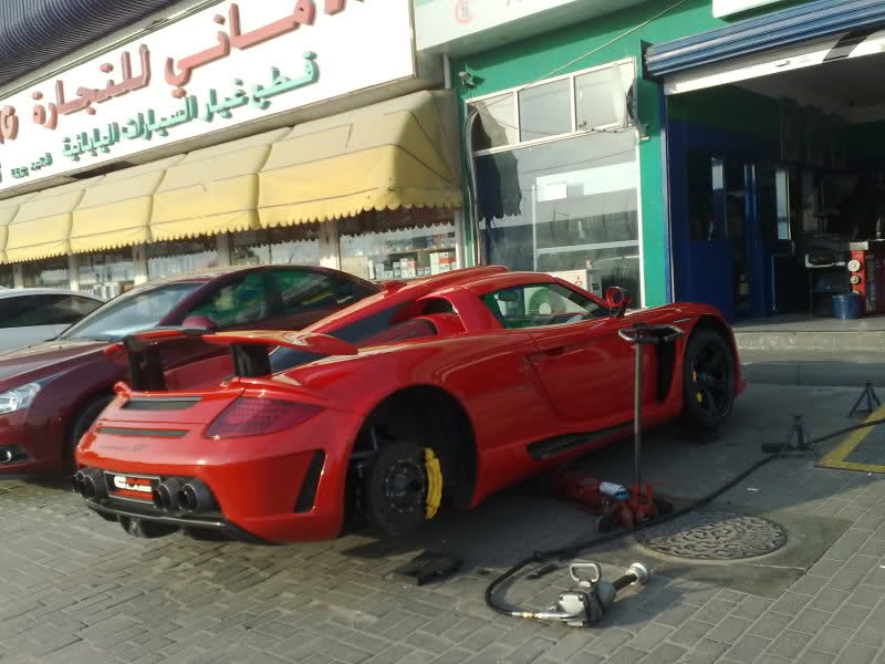 Changing tires on your exotic supercar? Don't do what someone did in on porsche mirage, porsche gt3rs, porsche truck, porsche cayman, porsche gt 2, porsche concept, porsche sport, porsche gt3, porsche 904 gts, porsche turbo, porsche boxter, porsche ruf ctr, porsche cayenne, porsche boxster, porsche gtr3, porsche macan,