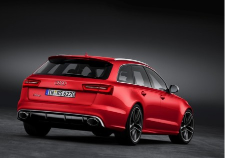 2014-Audi-RS-6-Avant-Rear-Profile
