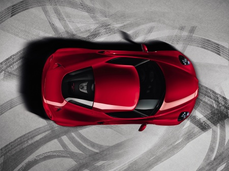 Alfa-Romeo-4C-Official-Top