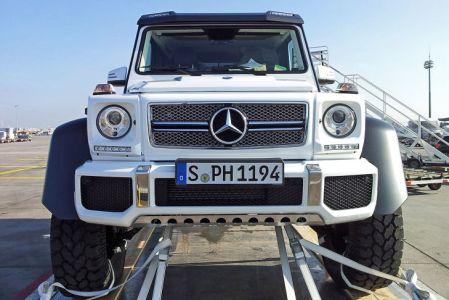 Mercedes-G-63-AMG-6x6-V8-Biturbo-Front