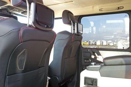 Mercedes-G-63-AMG-6x6-V8-Biturbo-Interior-2