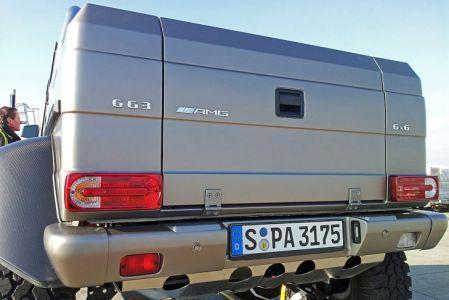 Mercedes-G-63-AMG-6x6-V8-Biturbo-Rear-Closeup